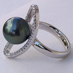 パール:タヒチ黒蝶真珠:ダイヤモンド0.32ct:PT900:プラチナ:リング