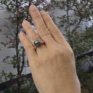 真珠パール リング タヒチ黒蝶真珠 K18WG ホワイトゴールド ダイヤモンド 8石 合計0.15ct 真珠の径 11mm グリーン系 6月誕生石 指輪