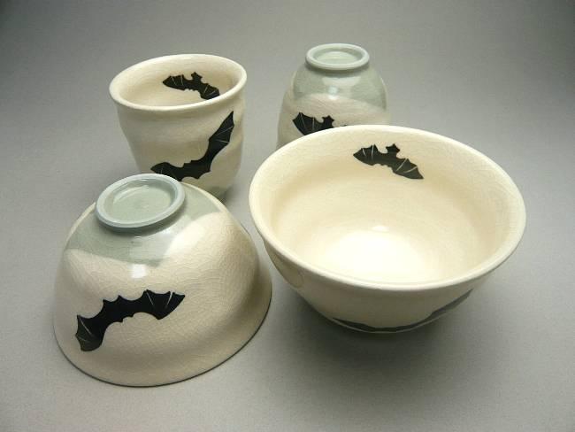 清水焼京焼の幸せを運ぶコウモリの湯のみ