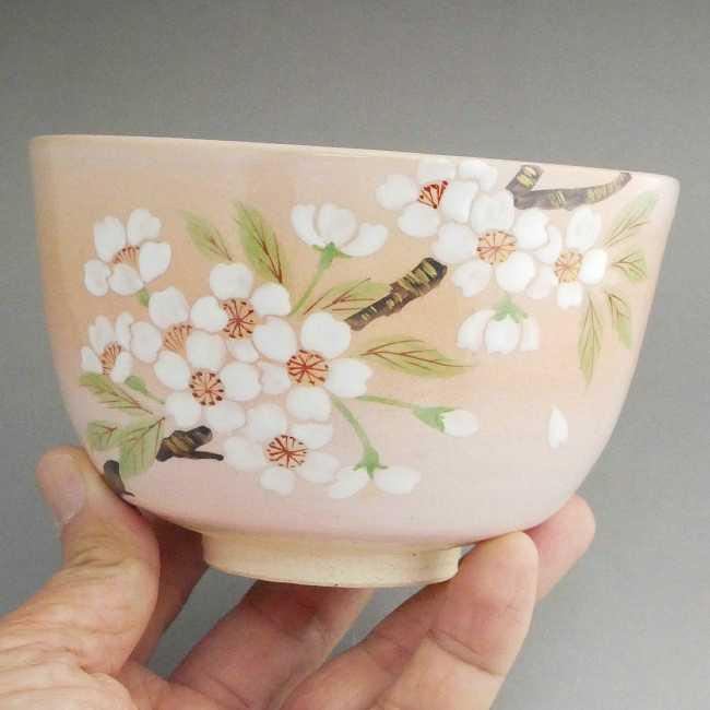 吉野桜の抹茶碗