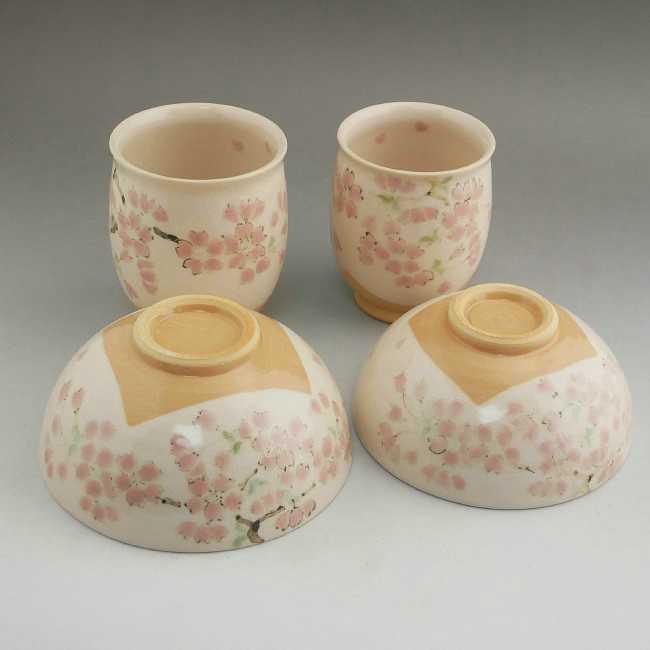 京焼清水焼 色絵桜夫婦湯呑と夫婦茶碗セット 陶仙
