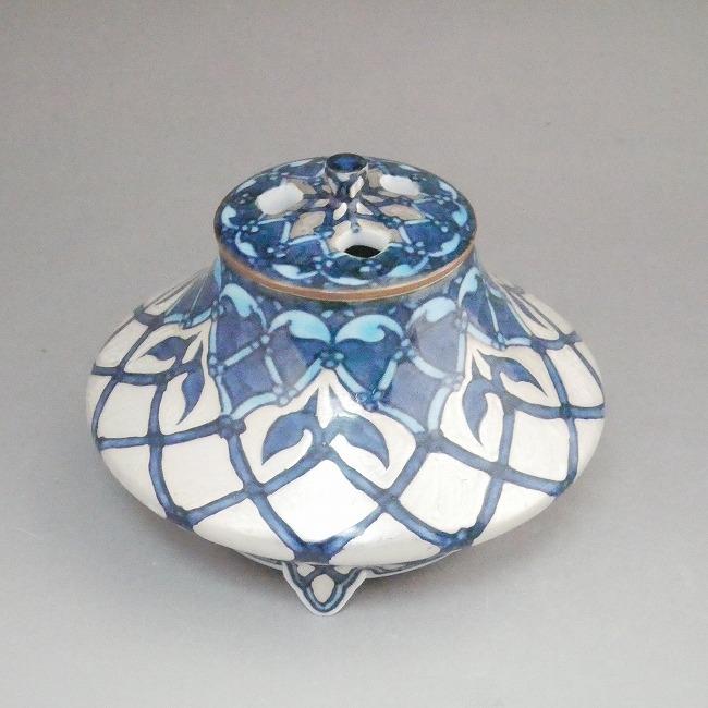 清水焼の昭阿弥作淡彩唐子文香炉