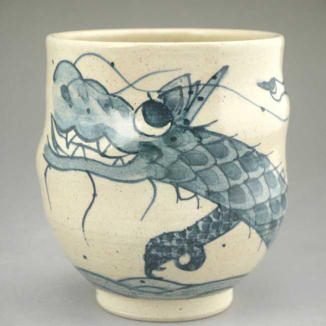 清水焼京焼の縁起の良い青い龍の画が描かれた湯呑み