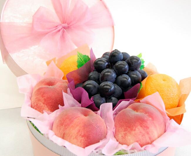 【お中元フルーツギフト】桃やぶどうの入ったラッピングフルーツギフト