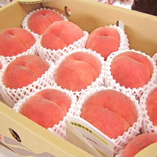 産地から入荷した桃