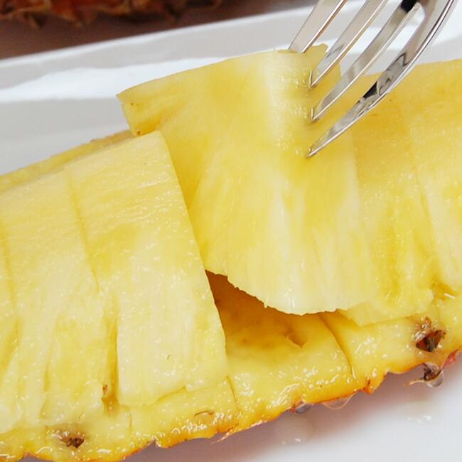 果肉はみずみずしく芯までおいしく食べられます