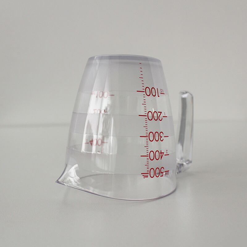 マーナ目盛りが見やすい計量カップ500mL K728