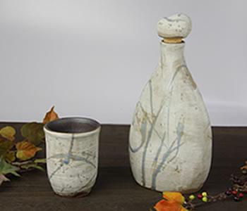 陶器のマイナスイオンボトル・白はけ目
