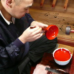 塗師 山田の手塗りの様子