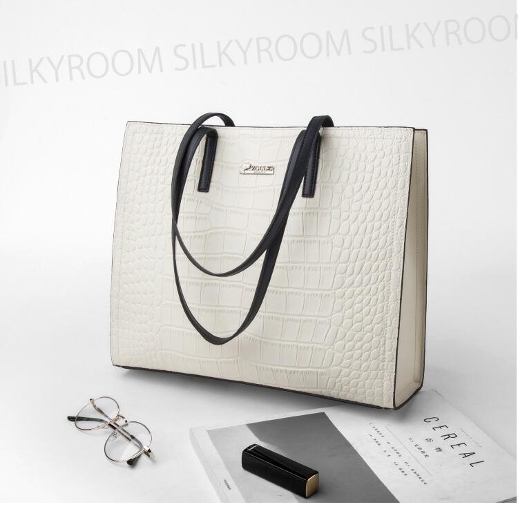 38671ddfb4 ZOOLER(ズーラー)とは    元世界の有名ブランドでデザイナーをしていたフランス人バッグデザイナーJULES氏が手掛ける今話題のブランドです。