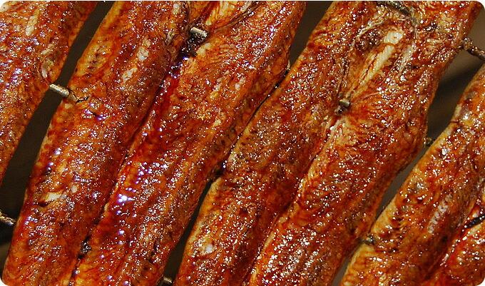 手焼き、秘伝タレ、備長炭 すべてにこだわった杉山商店のうなぎ  愛知三河一色産 うなぎ 炭焼きうなぎ、蒲焼きうなぎ お試し食べ比べセット 送料無料  蒲焼140g以上 1本 + 炭火蒲焼130g以上 1本