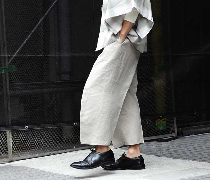 マイヌ MAINU 日本製 ベージュ スリーブパターンカット トラウザーズ パンツ リネン 2019SS Beige Sleeve Pattern Cutted Trousers (MAINU-151901-BEG)