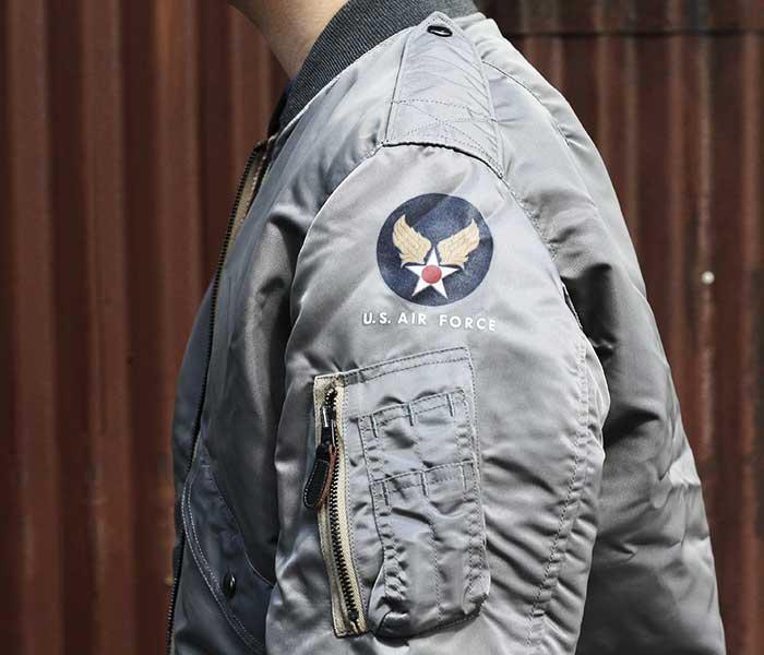 トイズマッコイ TOYS McCOY 日本製 L-2B ナイロン フライトジャケット プレーン TYPE L-2B BLUE ANCHOR OVERALL Co., INC モデル (TMJ1904)