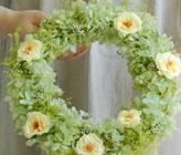 黄色いバラのナチュラルリース