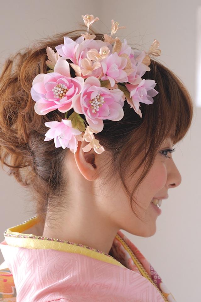 華やかなヘアスタイルを演出する髪飾り3点セット
