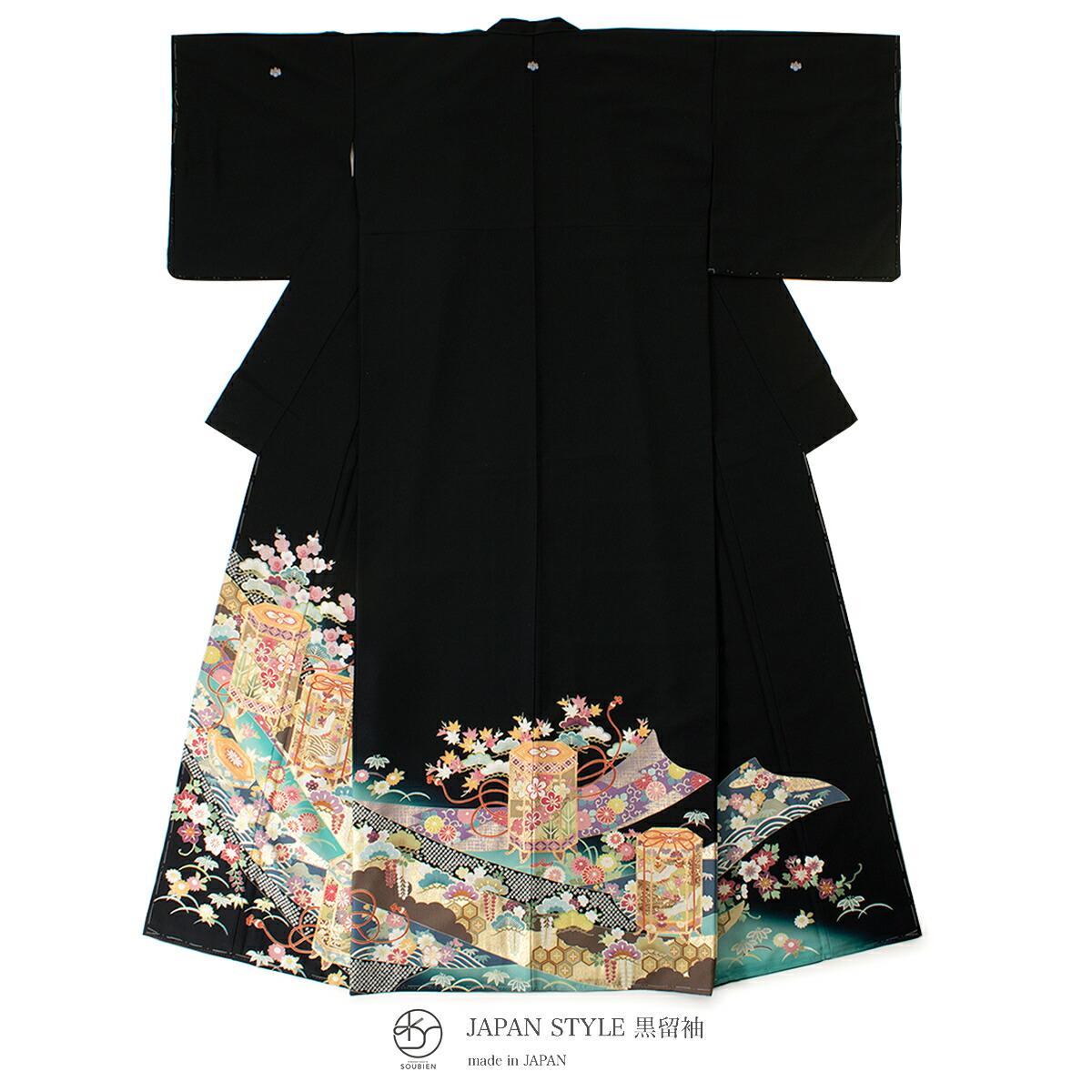 結婚式などにおすすめな黒留袖