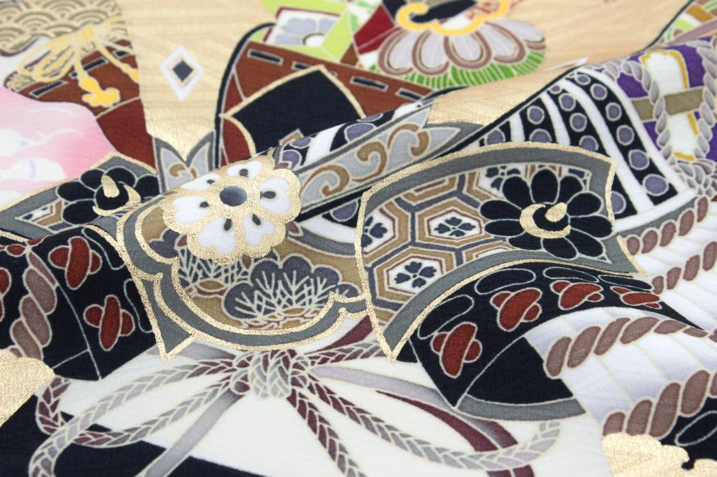 伝統的な和柄が華やかな高級初着(産着)