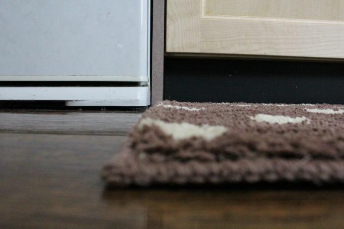 かわいいさらさらキッチンマットが激安価格で登場! 自宅でジャブジャブ洗える!水玉 上質 吸水力満点 肌触り満点 マイクロファイバー ポリエステル100%