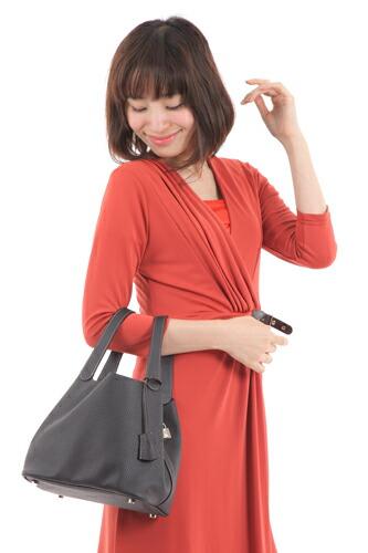 キューブ型本革ハンドバッグ【ベル】
