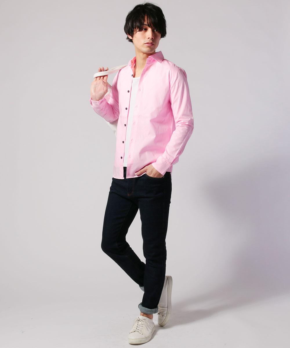 ホリゾンタルカラーシャツで爽やかな印象を演出