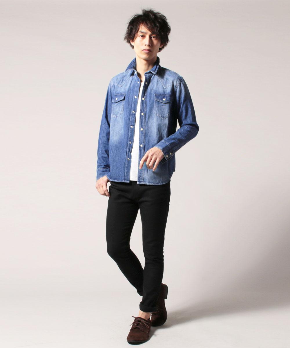 ヴィンテージ加工感が目を惹く 男らしく決まるデニムシャツ