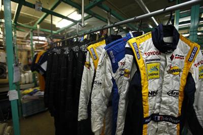 メイクウィナー レーシングスーツ クリーニング 自然乾燥
