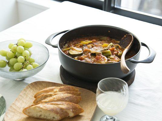 軽い鋳物ホーロー鍋で、いつもの料理が美味しくなる
