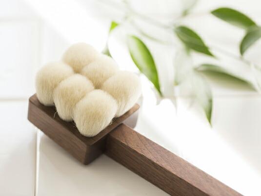 熊野筆の伝統が息づく、極上のボディブラシ