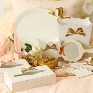 イタリア製 リボン SOLDI ラウンドトレイ お盆 丸型 ピンク×ゴールドリボン トレー ディスプレイ 木製 アンティーク風 雑貨 シャビーシック 姫系 輸入品