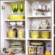 食器を立体的に収納することで、棚の収納力をアップさせます!