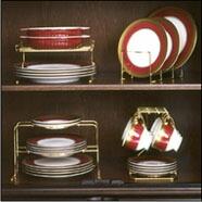 24金メッキの美しく機能的な食器収納ラックです。