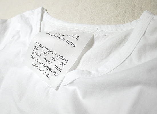 FABRIQUE en planete terre ファブリケアンプラネテールの長袖VネックTシャツ