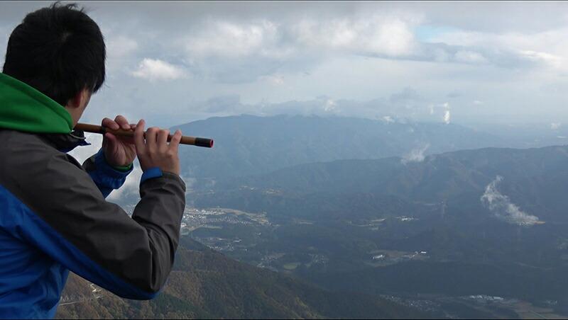 登山などのアウトドアで篠笛を楽しむ