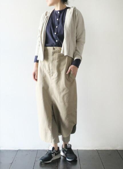 bassikeのワンピースのモデル着用画像