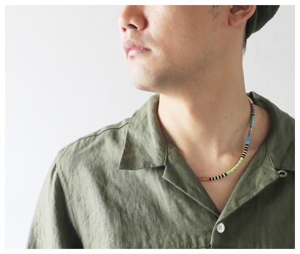 Indian Jewelryのネックレスのモデル着用画像