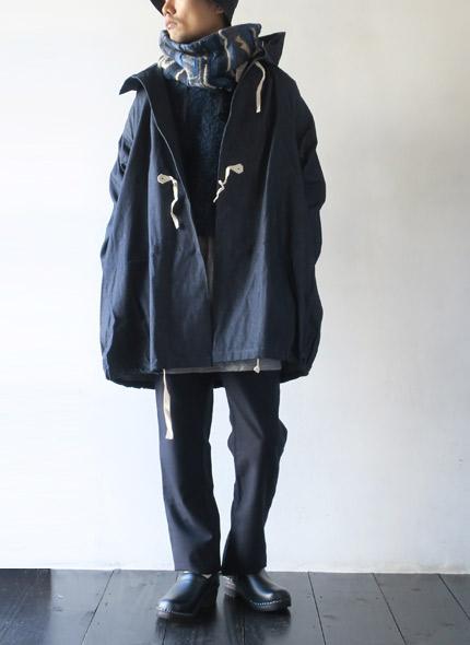 KAPITALのマフラーのモデル着用画像