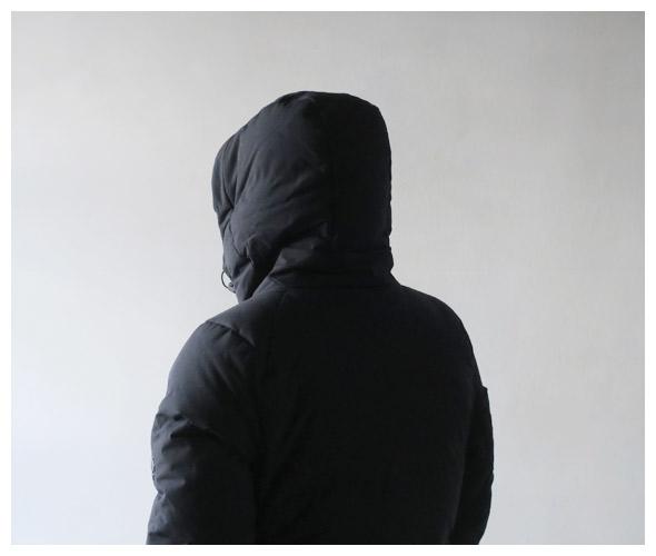 DESCENTE ALLTERRAINのダウンジャケットの詳細画像