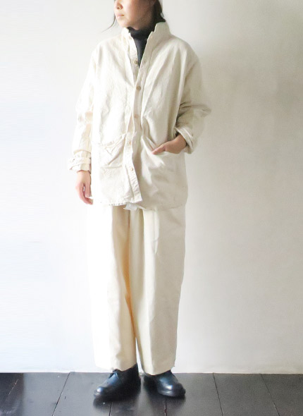 TENDER Co.のシャツのモデル着用画像