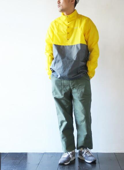 patagoniaのプルオーバーのモデル着用画像