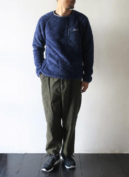 patagoniaのクルーネックのモデル着用画像