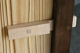 焼大和張木戸の鍵部分