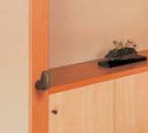 住宅玄関用介護手すり木製点手すり取り付けイメージ
