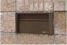 郵便受け箱(ステンレスポスト)壁面埋め込みスタンドポール取り付けタイプ小中型サイズ