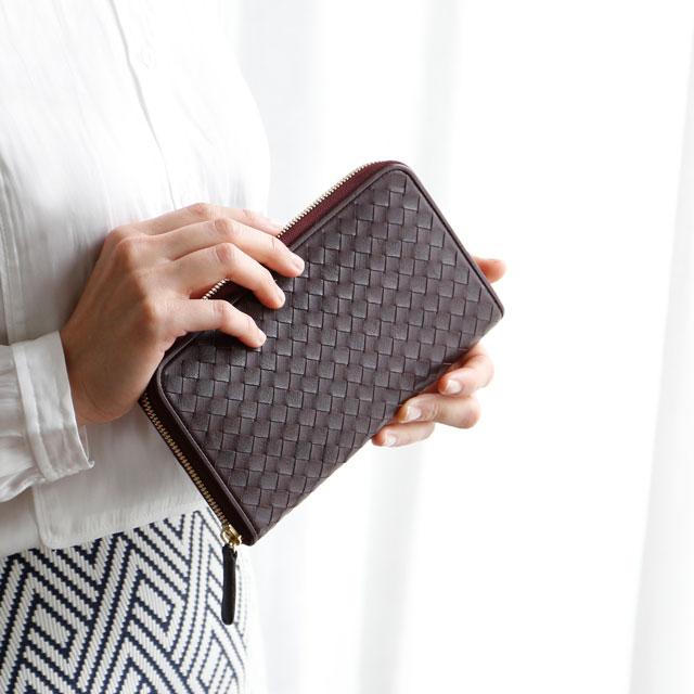 毎日、手元に置いておきたい、<br />重宝するハンドバッグのような存在。