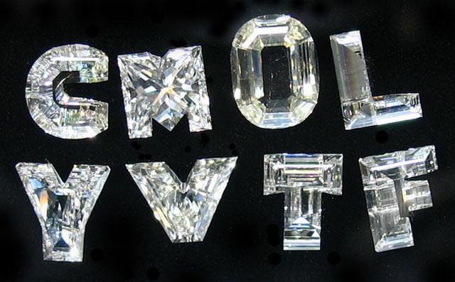 天然(ナチュラル)アルファベット(イニシャル)ダイヤモンド ルース画像