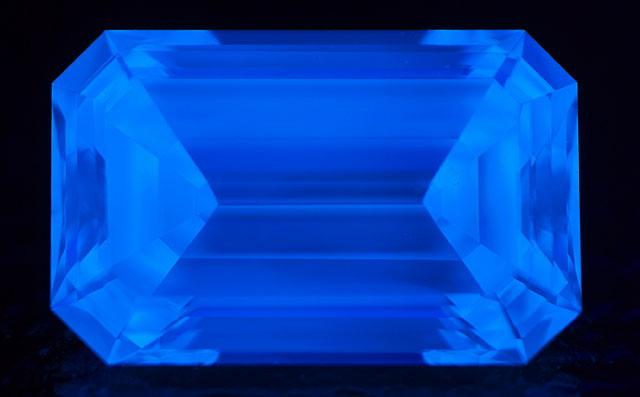 Kカラーダイヤモンド ルース画像