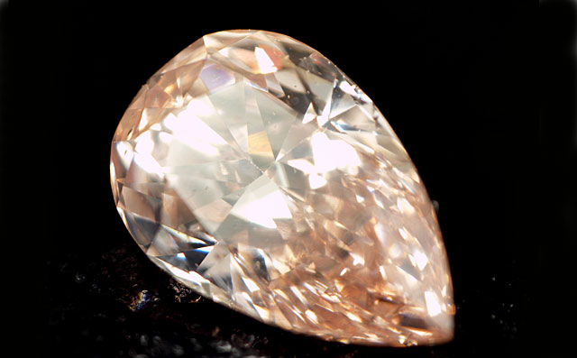 天然(ナチュラル)オレンジダイヤモンド画像
