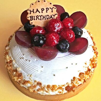 木苺のホワイトケーキ