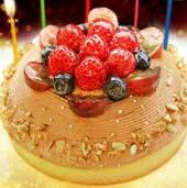 木苺のチョコレートバースデーケーキ