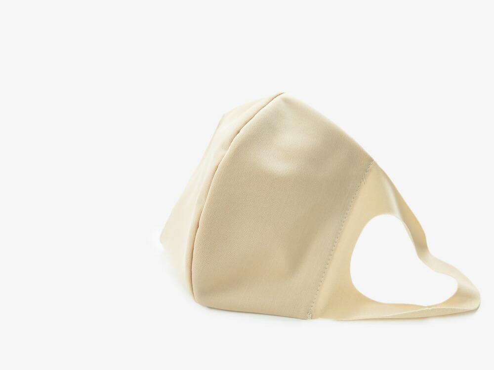 日本製の洗える潤いマスク